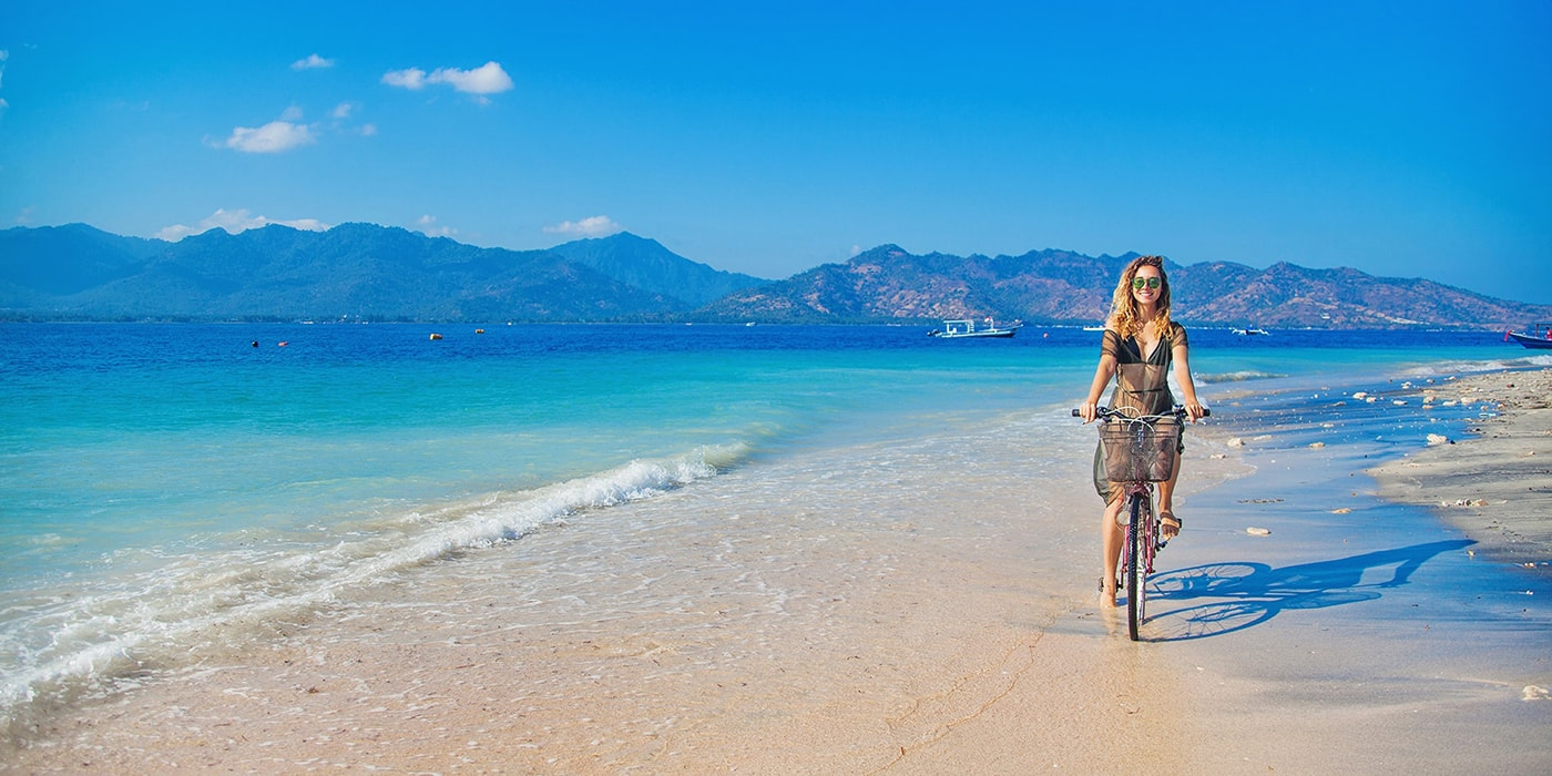 velo plage Gili Trawangan | Voyage Bali Indonésie en Circuit Privé avec Guide Francophone