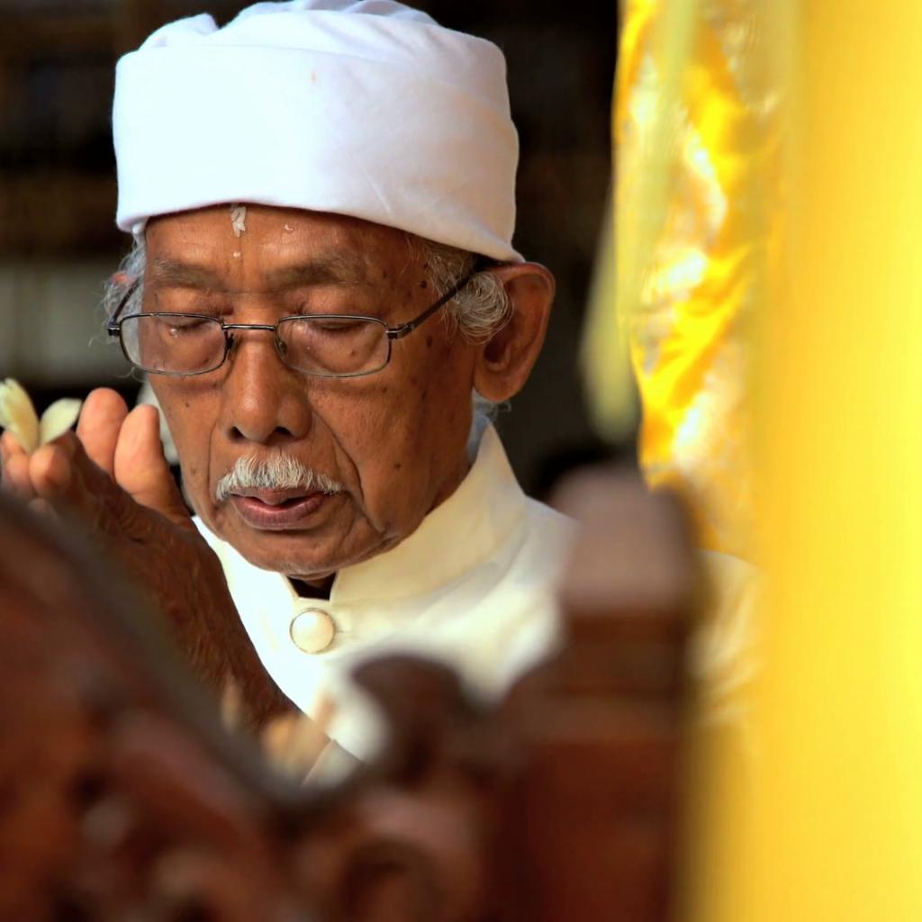 Balinese Traditional Healing | Voyage Bali Indonésie en Circuit Privé avec Guide Francophone