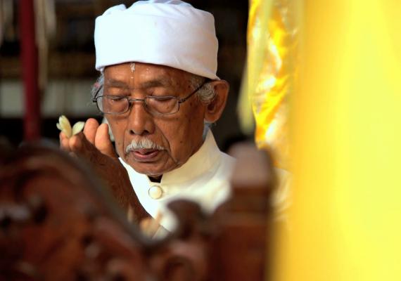 Balinese Traditional Healing | iBALI Voyage