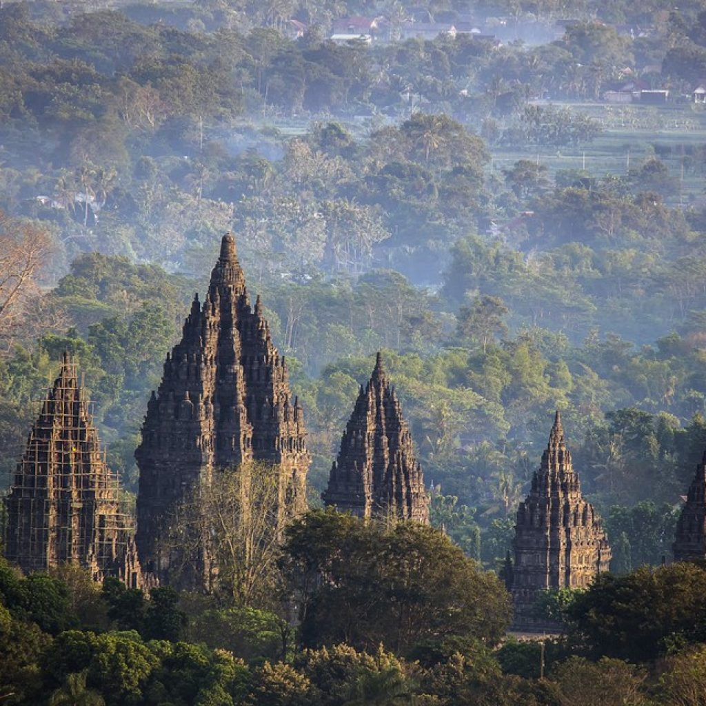 Temple de Prambanan | Voyage Bali Indonésie en Circuit Privé avec Guide Francophone