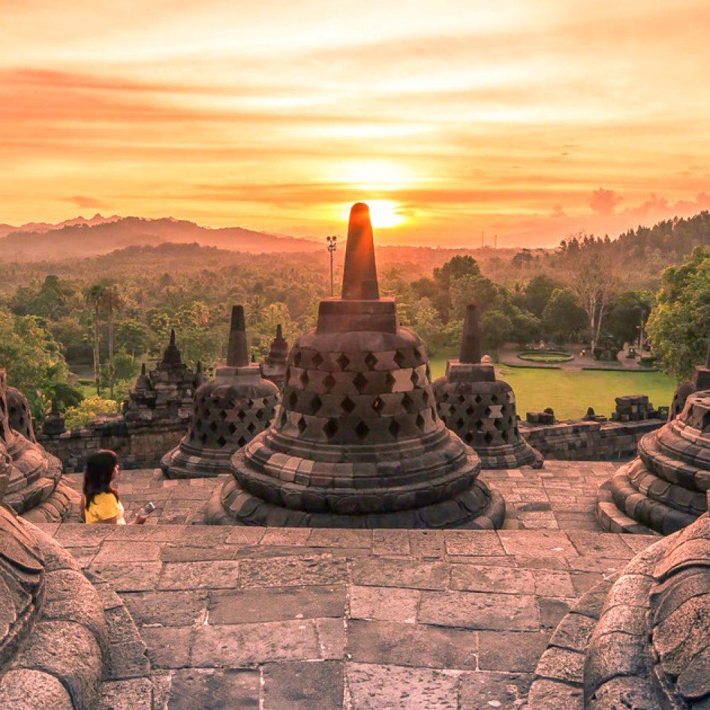 Lever du soleil à Borobudur | Voyage Bali Indonésie en Circuit Privé avec Guide Francophone