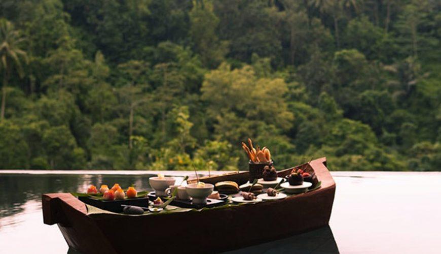 Hanging Gardens Ubud Floating Breakfast   Voyage Bali Indonésie en Circuit Privé avec Guide Francophone